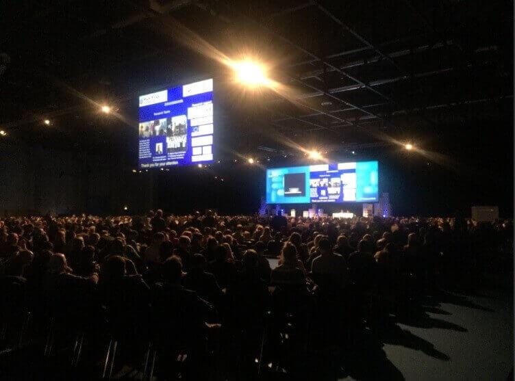 Sala plenaria del Congreso ECCO 2018 Viena